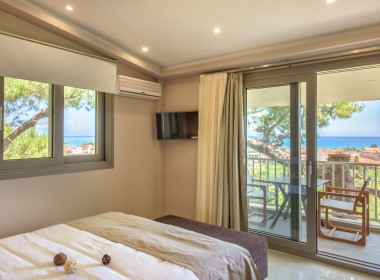 Alykes, Zakynthos - Koukounaria Suites Photo 9