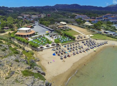 Βασιλικός - Plaka Beach Resort Photo 1