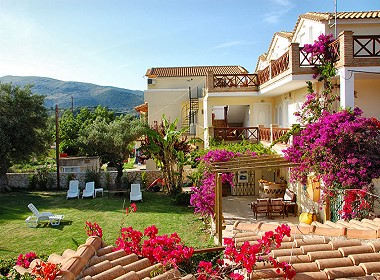 Keri Lake, Zakynthos, Zante Greece - Seaside Apartments Photo 3