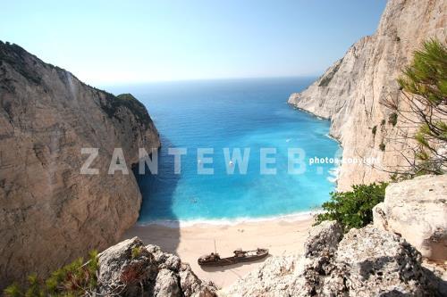 http://www.e-zakynthos.com/zante-photos/general/pics/zante.zakynthos.photos.13.jpg